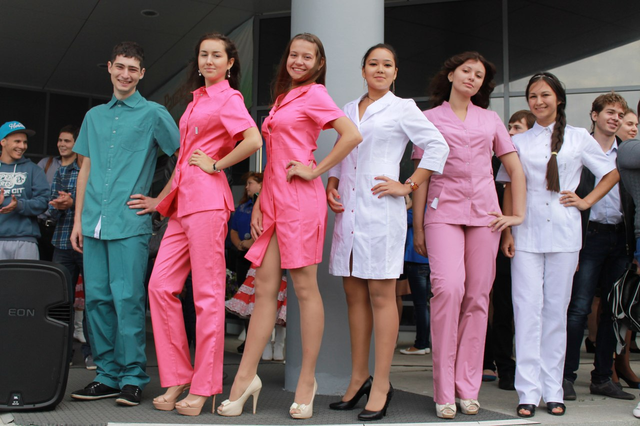Медицинская одежда: показ одежды в БГМУ города Уфа