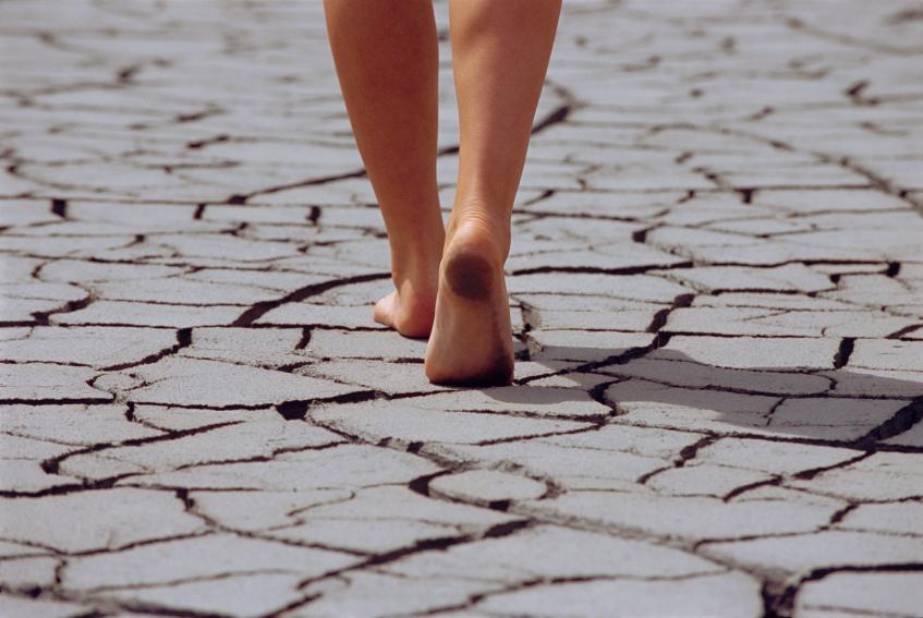 Огрубевшая кожа на стопах: причины и способы борьбы